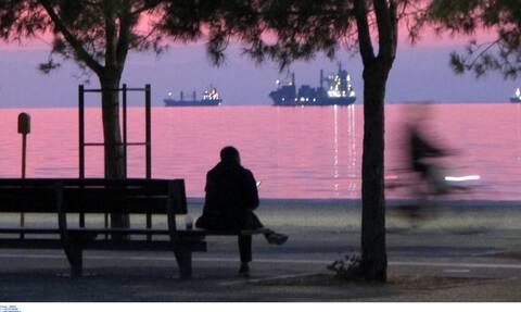 Κορονοϊός: Στην κόψη του ξυραφιού η Θεσσαλονίκη - Τα 905 κρούσματα φέρνουν νέα μέτρα