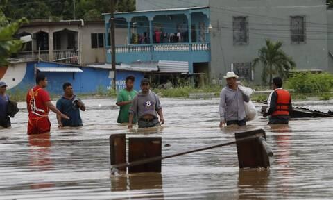 Κεντρική Αμερική: Η τροπική καταιγίδα Γιώτα εξασθενεί αφήνοντας πίσω της 14 νεκρούς