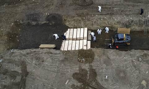 Κορονοϊός στις ΗΠΑ: Ξεπέρασαν τους 250.000 οι θάνατοι από COVID-19