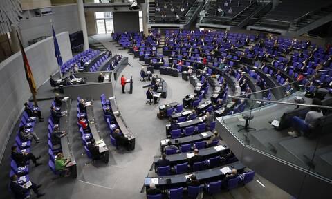 Γερμανία: H Bundestag καλεί την κυβέρνηση να θέσει εκτός νόμου την οργάνωση των Γκρίζων Λύκων