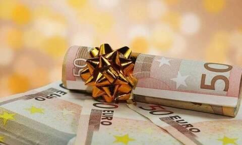Έκτακτο επίδομα Χριστουγέννων: Αυτοί είναι όλοι οι δικαιούχοι