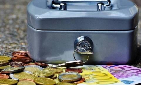 Ελάχιστο εγγυημένο εισόδημα: Πότε θα γίνει η διπλή καταβολή του