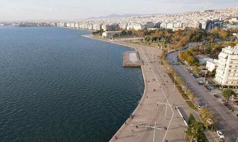 Κορονοϊός - «Πόλεμος» στη Θεσσαλονίκη: Η μάχη για τις ΜΕΘ και τα νέα μέτρα