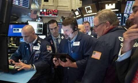 Κλείσιμο με άνοδο στη Wall Street - Η έξαρση του κορονοϊού έριξε την τιμή του πετρελαίου