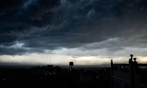 Έκτακτο δελτίο ΕΜΥ: Αγριεύει κι άλλο ο καιρός - Καταιγίδες και περαιτέρω πτώση της θερμοκρασίας