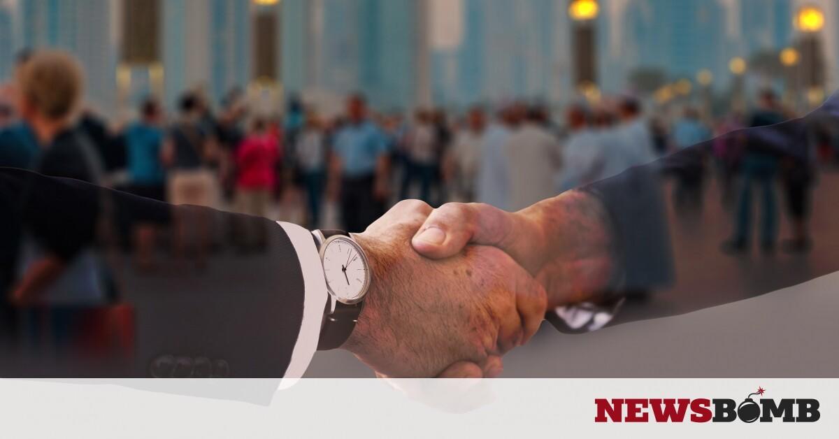 Έσταξε… η βαφή από τα μαλλιά πολιτικού κατά τη διάρκεια της ομιλίας του (vid) – Newsbomb – Ειδησεις