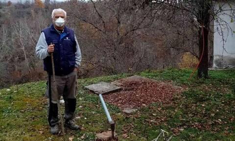 Κορονοϊός - Δράμα: Καραντίνα με μάσκες κι αποστάσεις ασφαλείας σ' ένα χωριό μόλις εννιά κατοίκων