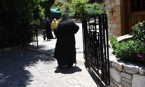 Κορονοϊός: 24 κρούσματα σε μονή - Νεκρή 47χρονη μοναχή