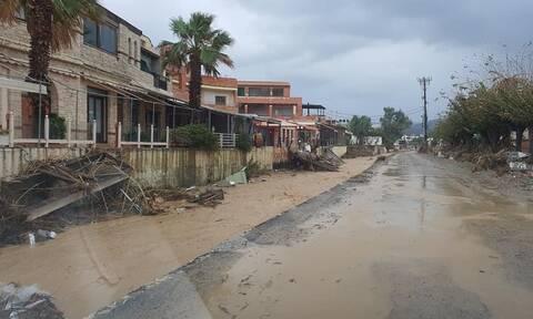 Στο έλεος της κακοκαιρίας ξανά η Κρήτη: Δρόμοι ποτάμια και κατολισθήσεις - Έπεσε τμήμα μπαλκονιού