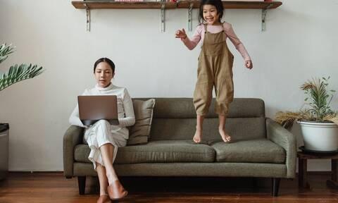Κορονοιός: Εργασία από το σπίτι με παιδιά - Συμβουλές για να τα καταφέρετε