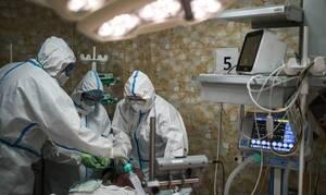 В России за сутки выявили 24 318 заразившихся коронавирусом. Это максимум за пандемию