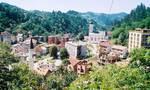 Σρεμπρένιτσα: Η μεγαλύτερη σφαγή στην Ευρώπη από τον Β' Παγκόσμιο Πόλεμο που στοιχειώνει ακόμα