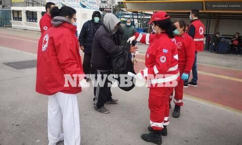 Ελληνικός Ερυθρός Σταυρός: Πάντα στο πλευρό των αστέγων - Δράσεις στήριξης στο λιμάνι του Πειραιά