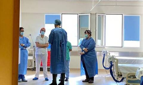 Κορονοϊός - Λάρισα: «Έκρηξη» κρουσμάτων - Στα όριά τους γιατροί και νοσηλευτές