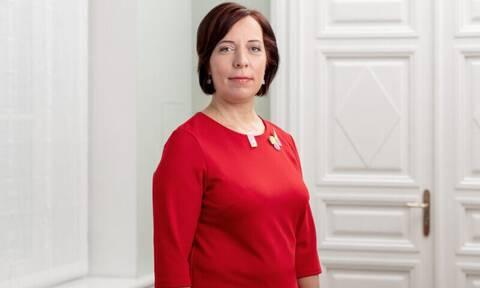 Εσθονία: Παραιτήθηκε η υπουργός Παιδείας - Μετέφερε με κρατικό αυτοκίνητο τα παιδιά της στο σχολείο