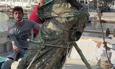 Αιγαίο: Μια δεύτερη «Κυρά της Καλύμνου» ανέσυραν τούρκοι ψαράδες - Xάλκινο άγαλμα ύψους 2 μέτρων