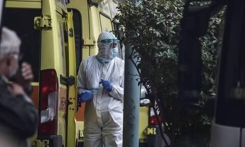 Κορονοϊός: Συγκλονιστικό περιστατικό στη Θεσσαλονίκη - Πάρκινγκ μετατράπηκε σε νοσοκομείο