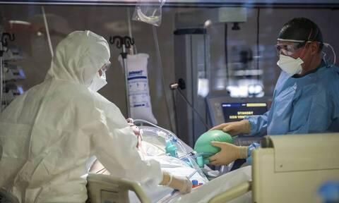 Κορονοϊός Ιταλία: Νέο αρνητικό ρεκόρ 34.767 τα νέα κρούσματα - Υψηλός ο αριθμός των θανάτων