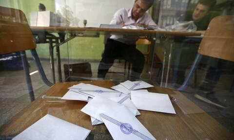 Κορονοϊός - Μετά το εμβόλιο εκλογές: Πώς, γιατί και για πότε φουντώνουν σενάρια για πρόωρες κάλπες
