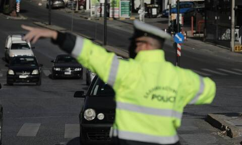Σας αφορά: Αλλάζουν τα πάντα με το νέο ΚΟΚ - Τα όρια ταχύτητας και οι κλήσεις
