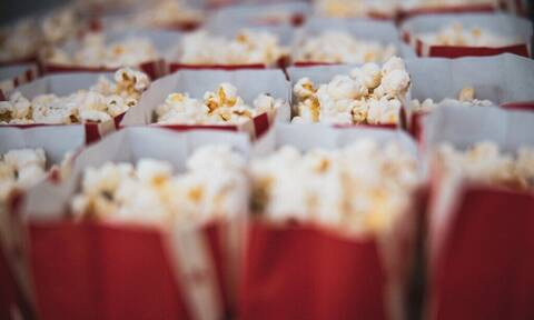Τα caramel popcorn θα γίνουν το αγαπημένο σου σνακ στην καραντίνα