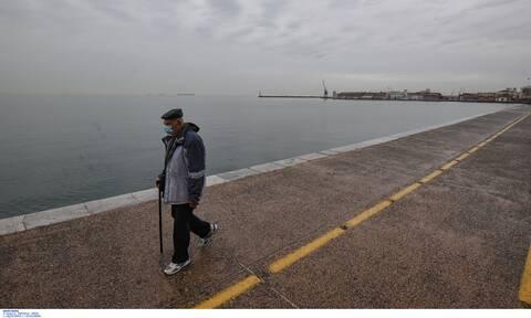 Κρούσματα σήμερα: Οι περιοχές της Ελλάδας που «λυγίζει» ο κορονοϊός - «Φλέγεται» η Θεσσαλονίκη