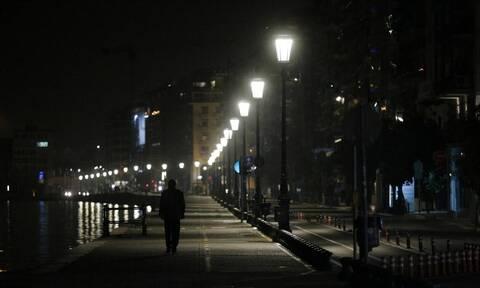 Lockdown: Με απαγορεύσεις μία ανάσα πριν τα Χριστούγεννα - 1.000 νεκροί μόνο τον Νοέμβριο