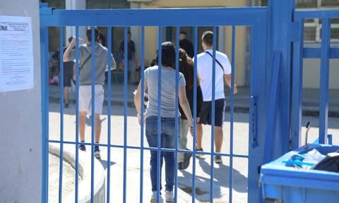 Κορονοϊός - Κεραμέως: Καμία απόφαση προς το παρόν για το άνοιγμα των σχολείων