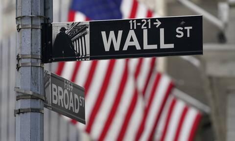 Με κέρδη άνοιξε η εβδομάδα στη Wall Street - Κοντά σε υψηλό τριών μηνών το πετρέλαιο