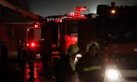 Φωτιά σε σπίτι στο Αιγάλεω - Απομακρύνθηκαν δύο ηλικιωμένοι