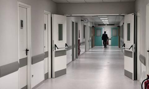 «Zητούν να πάρουμε τους δικούς τους για να τους αποχαιρετήσουν»: Συγκλονίζει γιατρός στο «Σωτηρία»