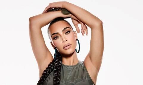 Φωτιές «άναψε» η Kim Kardashian με αυτό το μικροσκοπικό μπικίνι