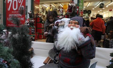 Ρεβεγιόν …τέλος! Χριστούγεννα και Πρωτοχρονιά σπίτια μας με απαγόρευση μετακινήσεων