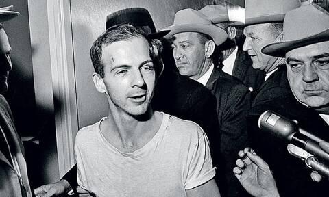 H μέρα που δολοφονήθηκε μπροστά στις κάμερες ο δολοφόνος του JFK