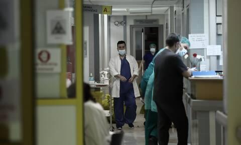 Κορονοϊός - Μονιμοποιήσεις γιατρών σε ΜΕΘ: Πόσους αφορά – Ποια θα είναι η διαδικασία