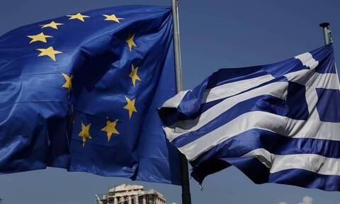 «Success story» τα ελληνικά ομόλογα – Κάτω από το 2% ο κίνδυνος χρεοκοπίας της Ελλάδος