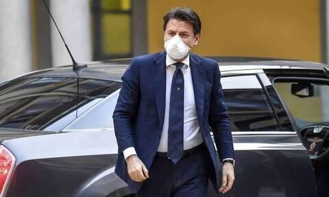 Ιταλία: Ο πρωθυπουργός είναι αρνητικός στον κορονοϊό - Βήχει λόγω προβλήματος στις φωνητικές χορδές
