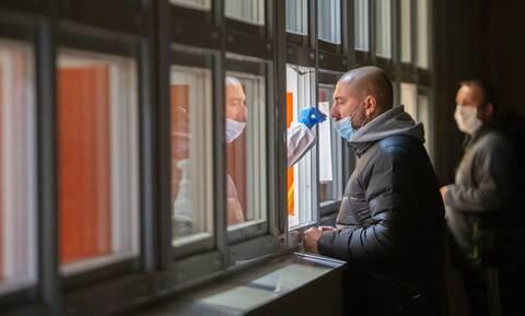 Κορονοϊός: Ρεκόρ με 4 εκατομμύρια κρούσματα και 67.000 θανάτους παγκοσμίως σε μια εβδομάδα