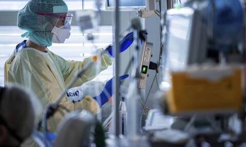 Κορονοϊός - Νταφούλης: Tο νοσοκομείο βρίσκεται στα όρια - Κάθε 15 λεπτά κάποιος πεθαίνει από τον ιό