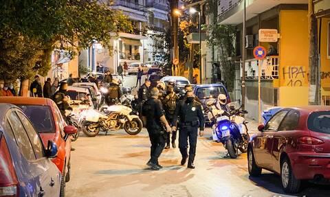 Κορονοϊός - Θεσσαλονίκη: Μετέτρεψαν κατάστημα σε λέσχη και έπαιξαν πόκερ μέχρι το πρωί