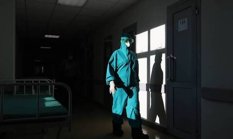 В России впервые зарегистрировали более 500 смертей из-за коронавируса за сутки