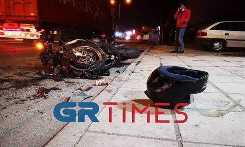 Θεσσαλονίκη: Σοκαριστικό τροχαίο στα Διαβατά - Μηχανή γίνεται «μπάλα φωτιάς» (vid)