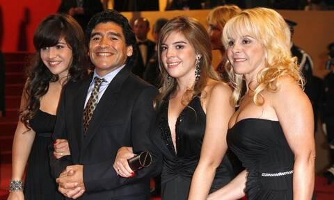 Μαραντόνα: Έτσι αντέδρασαν οι κόρες και η πρώην σύζυγός του (Photos)