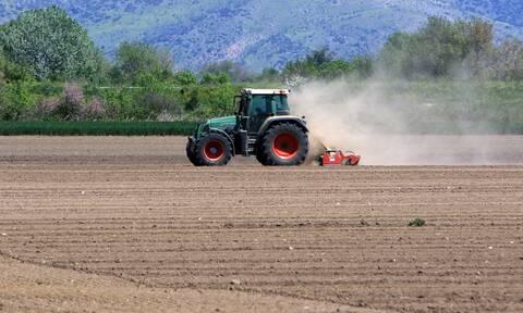 Επιστρεπτέα προκαταβολή 4: Δικαιούχοι και οι αγρότες - Ποιους αφορά, τι ισχύει για τις αιτήσεις