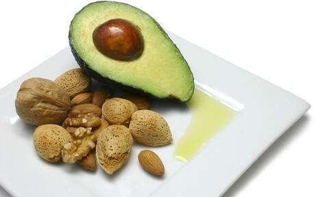 Σημάδια ότι πρέπει να τρώτε περισσότερα λιπαρά (εικόνες)