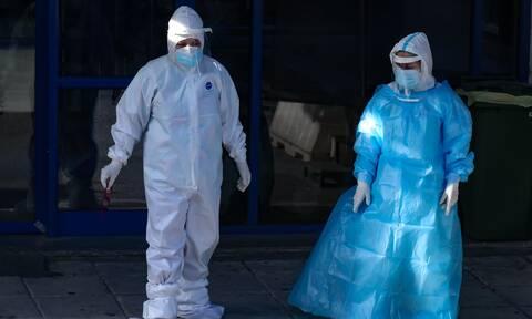 Γιαννάκος στο Newsbomb.gr: Ακόμα 3 υγειονομικοί έχασαν τη μάχη με τον κορoνοϊό