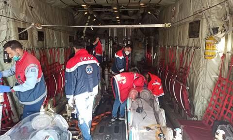 Ασφυκτικές πιέσεις στο ΕΣΥ: Αεροδιακομιδές ασθενών με κορονοϊό από όλη την Ελλάδα