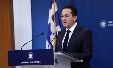 Πέτσας στο Newsbomb.gr: «Αν χρειαστεί θα επιτάξουμε κλινικές και στην Αττική»