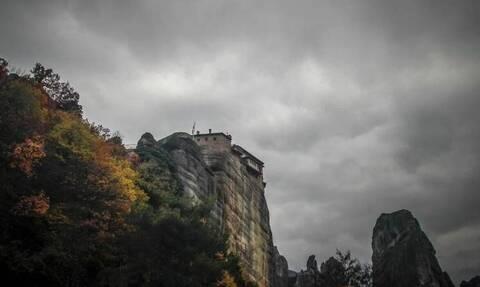 Κορoνοϊός - Μετέωρα: Θετικός στον κορονοϊό ηγούμενος - Μεταφέρθηκε στο νοσοκομείο με υψηλό πυρετό