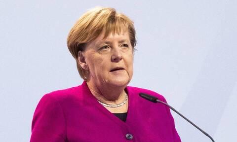 Меркель заявила о планах добиваться закрытия в ЕС горнолыжных курортов предстоящей зимой
